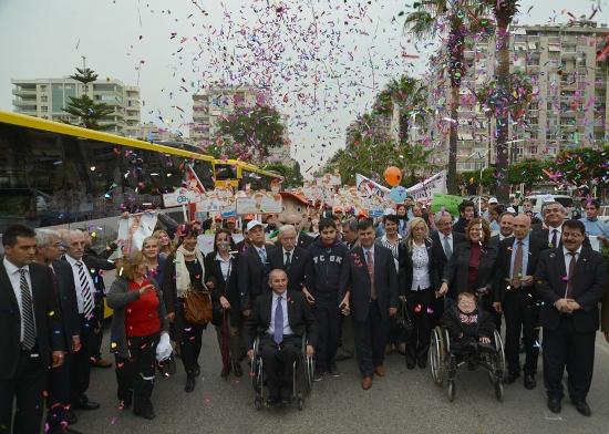 Engellilerden festival gibi yürüyüş