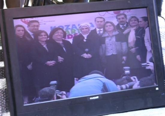 Başbakan eşi telekonferansla açtı