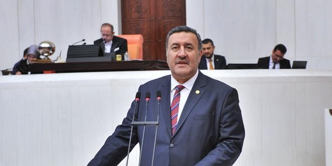 """""""BİNLERCE İŞÇİ TAŞERON KALDI"""""""