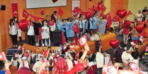 23 NİSAN'I TEDAVİ GÖRDÜKLERİ BALCALI'DA KUTLADILAR