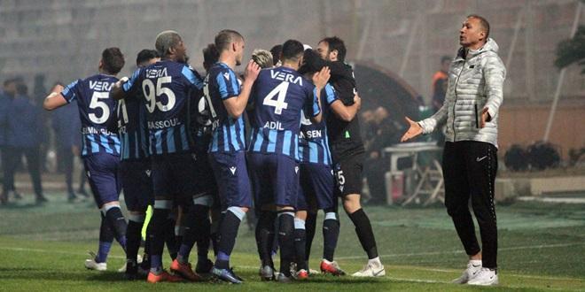 DEMİRSPOR DEPLASMANDA İSTANBULSPOR'U 2-0 YENDİ