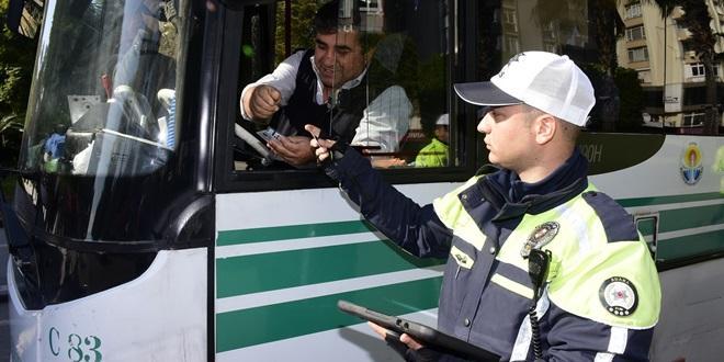 ADANA'DA MART AYINDA 2258 ARAÇ TRAFİKTEN MEN EDİLDİ
