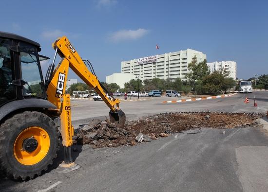 Üniversite yolları asfaltlanıyor