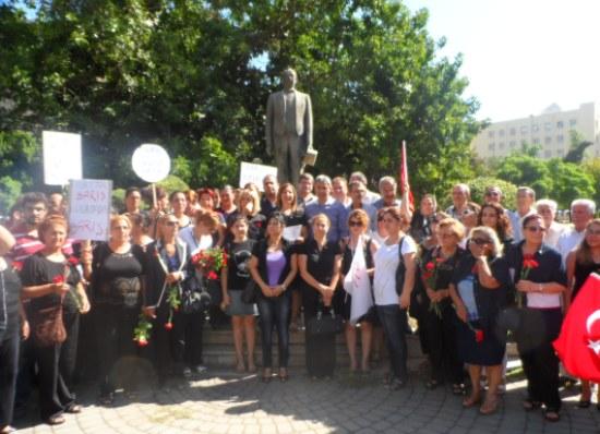 CHP'li Kadınlar Barış için yürüdü