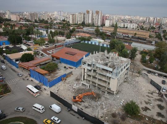 Bu yıkım Adana'nın dilinde