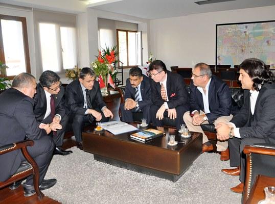 Güvenli bir Adana'da yatırımın önü açılır