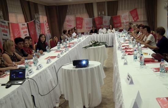 CHP'li kadınlardan seçim toplantısı