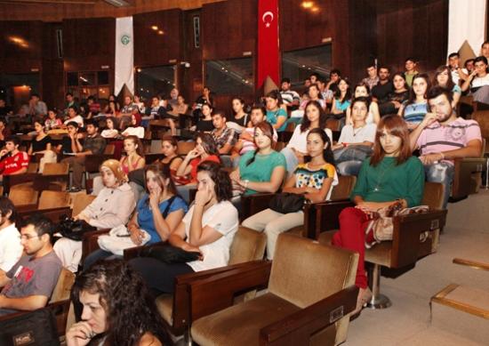 ÇÜ'den öğrencilerine oryantasyon