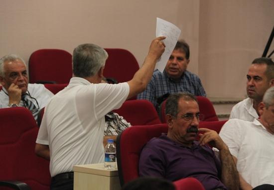 Seyhan'da, meclisin fesih restleşmesi