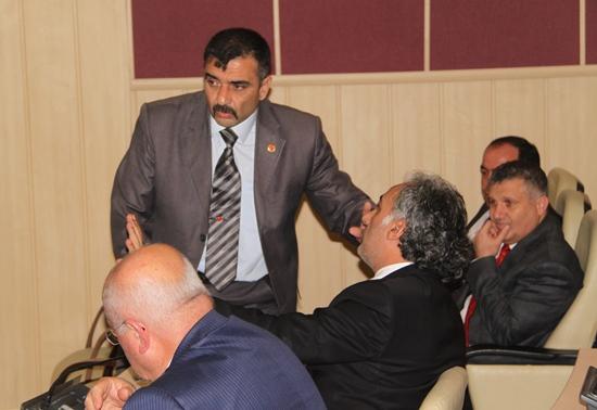 AK Parti grubunun karar karmaşası