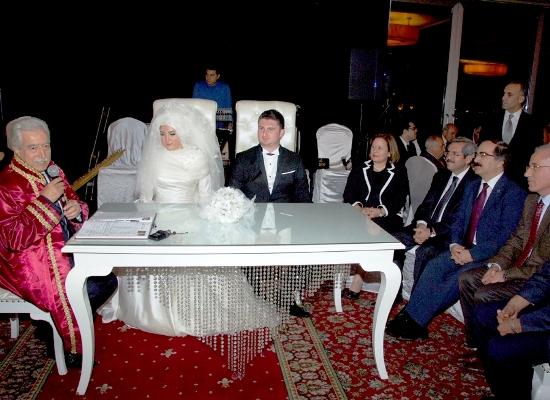Borsa Başkanı kızını evlendirdi