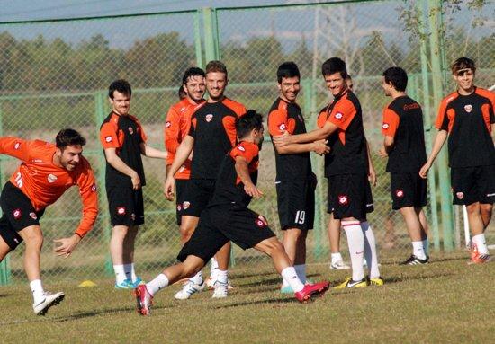 Adanaspor, lider karşısında galibiyet arıyor