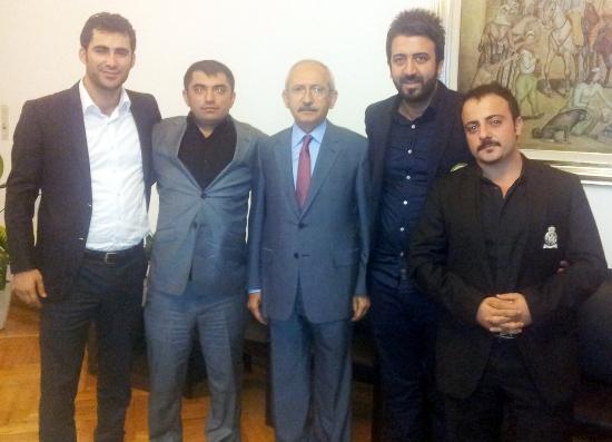 Kılçdaroğlu, Adana gençlik kolları ile görüştü