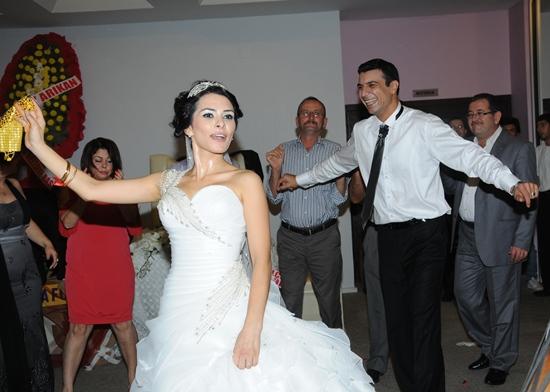 Acil doktor Hekim evinde evlendi