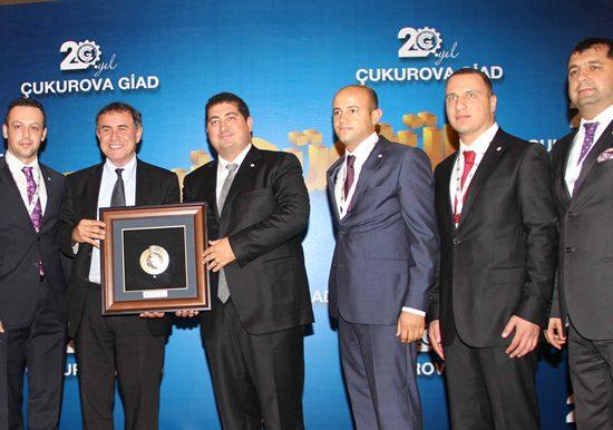 Kriz Kahini Roubini Adana'da konuştu