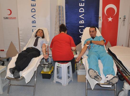 Acıbadem'den kan bağışı