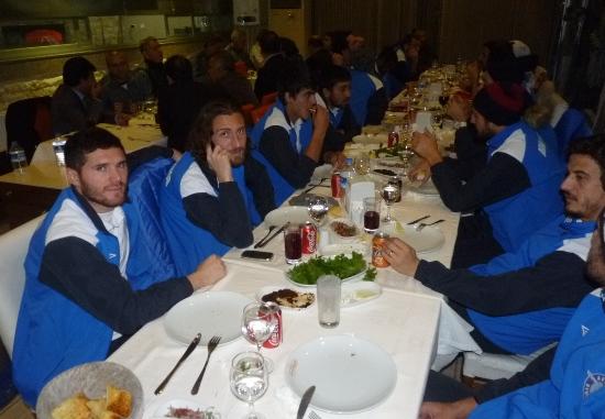 İzmir'de, Demirspor'a galibiyet yemeği
