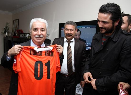 Arıkan'a Adanaspor forması