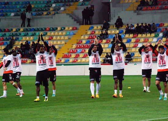 Adanaspor Mbilla ile galip 2-1
