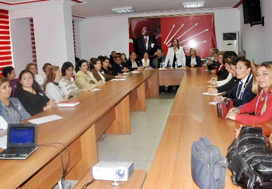 CHP'li kadınlara gelişim semineri