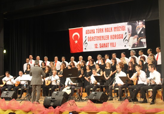 Öğretmenlerden Türkü Şöleni