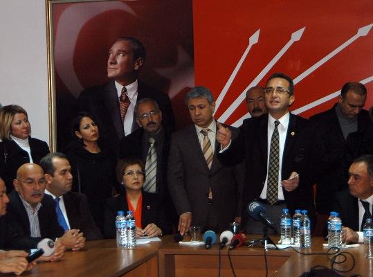 "Adana'da ""Acil Demokrasi, Derhal Adalet"" mitingi"