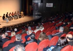 aratos_tiyatro