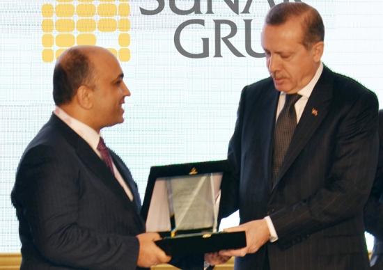 Sunar'a Başbakan'dan ödül