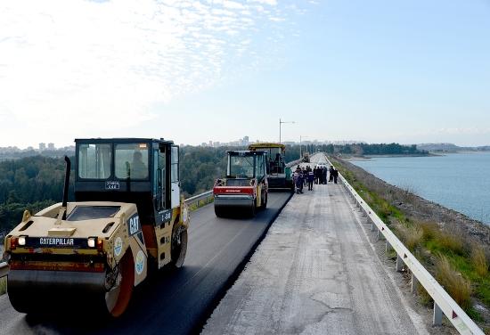 Seyhan Barajı Seddine de asfalt