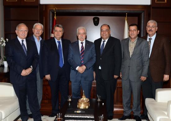 Adana'yı ortak akılla yönetiyoruz