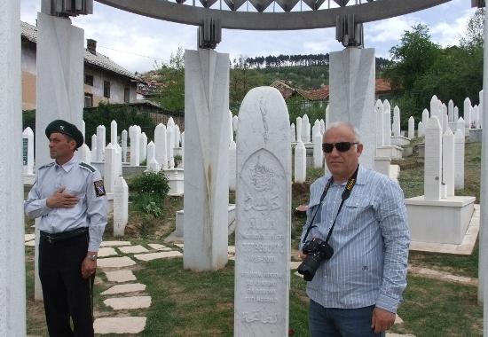 İzzetbegoviç'in mezarına ziyaret