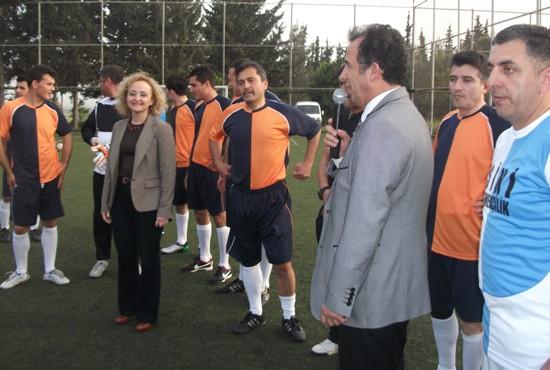 Sağlıkçılardan futbol turnuvası