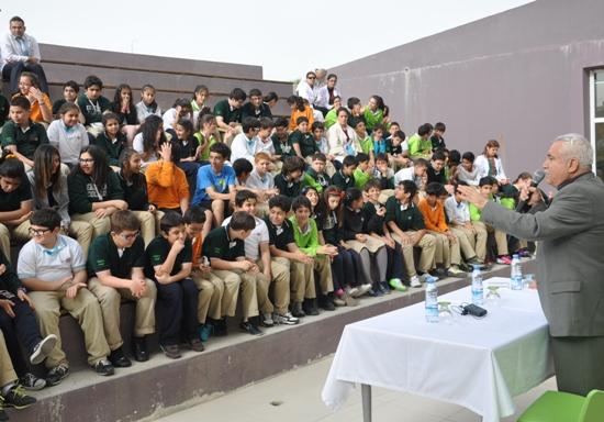 Okullarda Akdeniz Oyunlarını anlatıyor