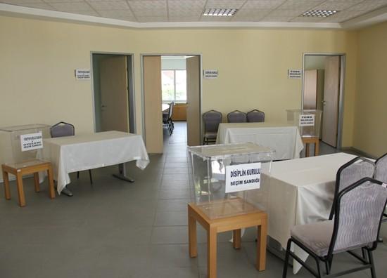 ADASO'da  meclis üyeleri başkan için oy kullanacak