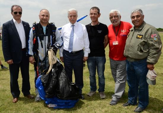 Akrobasi Pilotu Adana'daki gsterisinde öldü