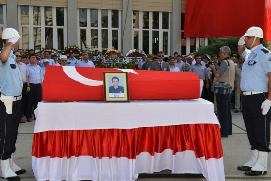 Komiser Mustafa Sarı Son Yolculuğuna Uğurlandı.