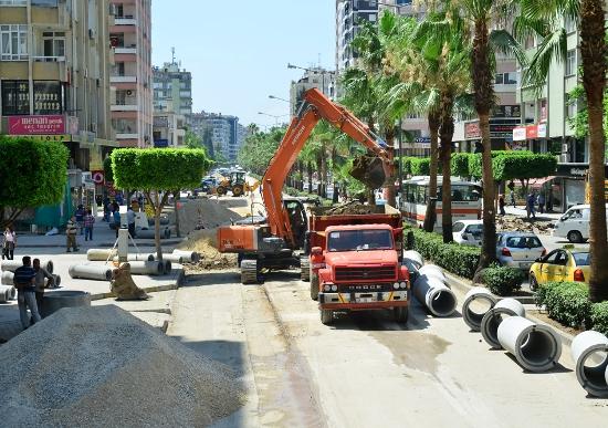 Atatürk Caddesi altyapısında yenileme