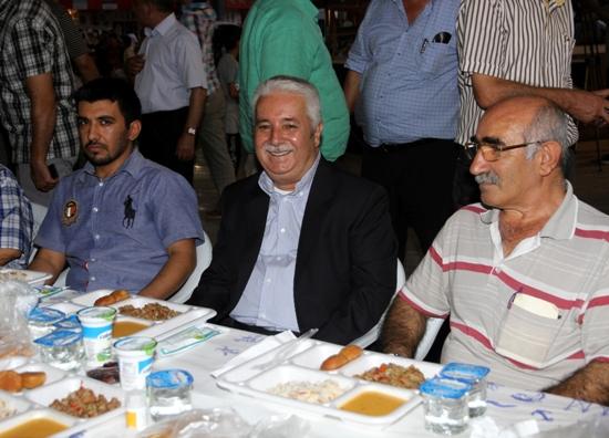 Arıkan'dan  Canlı yayında iftar