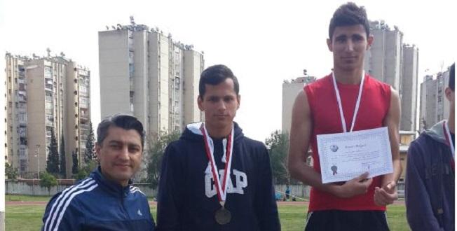 Atletizmde 3 Madalya