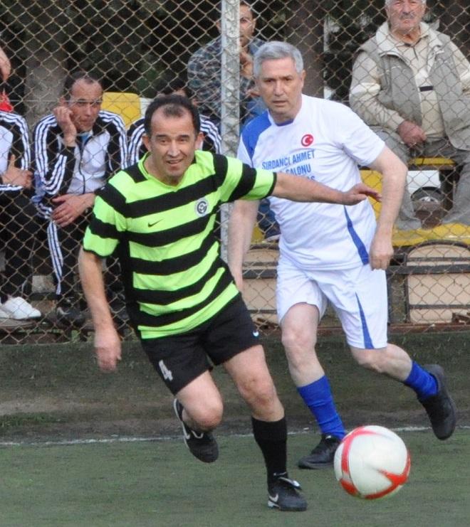 rektor_kibar_futbolcu