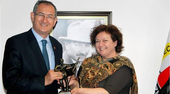 Sertel'in yerine kadın başkan