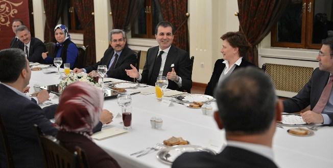 Çelik, AKP Adaylarıyla Devlet Konukevinde