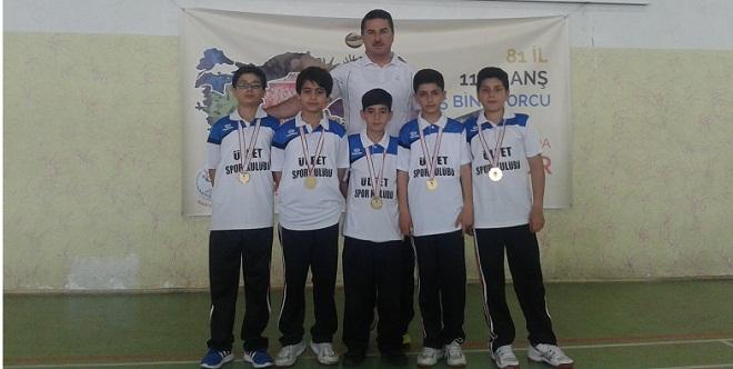Badmintonda Türkiye Şampiyonu Oldu