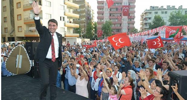 Aslan'dan Ceyhan'da Gövde Gösterisi
