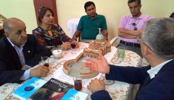 HDP Adayları Kilise'de
