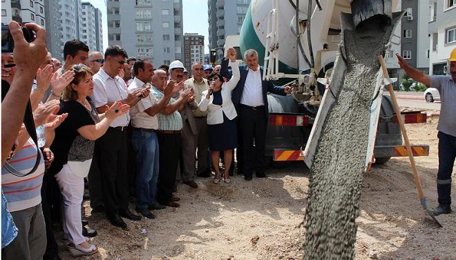 Pınar Mahallesine kapalı semt pazarı