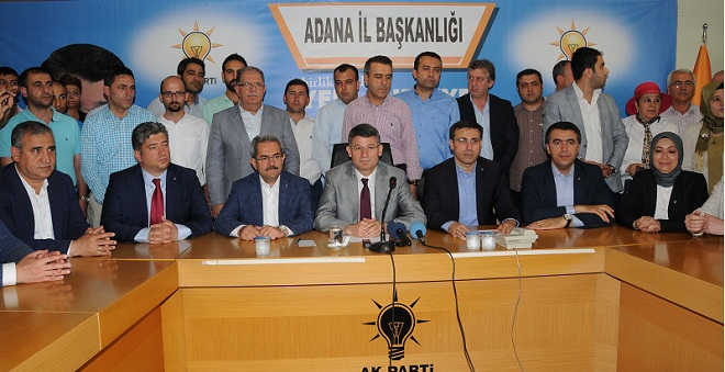 AKP Adana'da 1 Eksildi