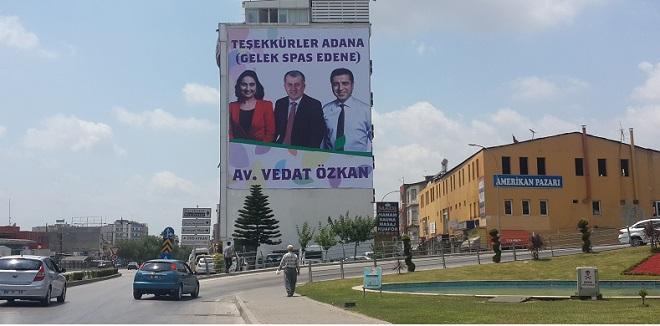HDP'den Adana'da Kürtçe ve Türkçe Teşekkür
