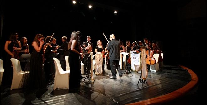 Alkışlar, Öğrenci Senfoni Orkestrasına
