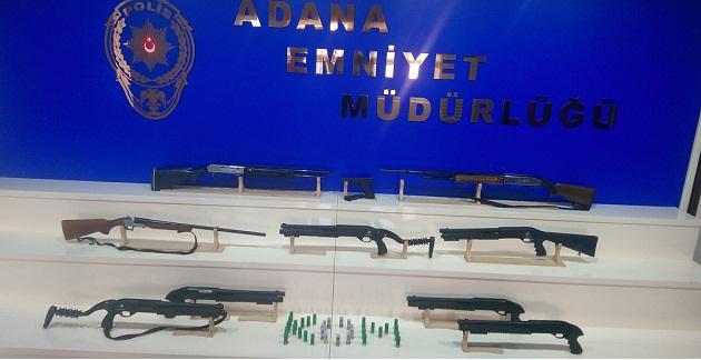 Adana'da Evlerde Silah Araması
